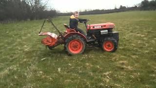 Kubota B6000 4WD mini-tractor