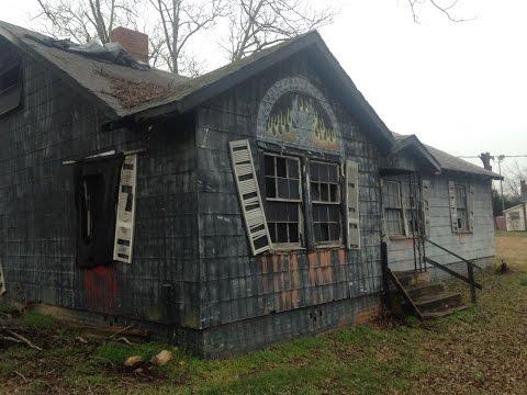 Abandoned Haunted Attraction - Possum Kingdom