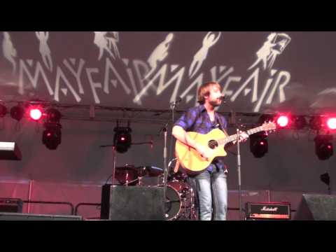 Josh Wilson - 3 Minute Song (live with a little Jackson 5)