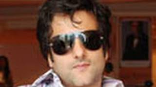 Fardeen Khan won't fulfill his Dad's last wishes - Latest Bollywood News