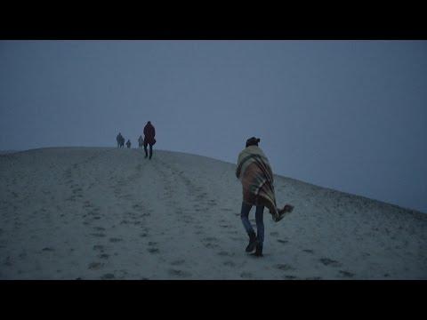 Zrní - Jiskřící raketa TOTO (Official Video)