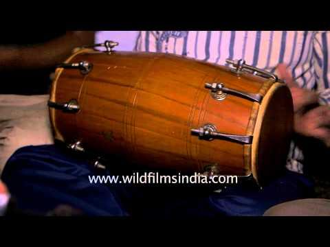Kumaoni people singing 'Jai siya ram ram jai radhe shyam shyam'
