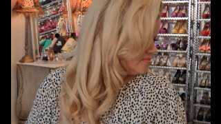 Old Hollywood Glamour Waves Tutorial: with Hot Rollers Thumbnail