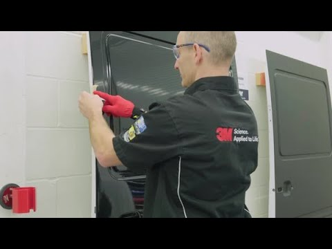 Comment installer un placage dans une rainure profonde – Pellicule de placage de Serie 2080 3M