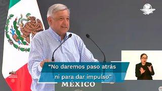 """El presidente Andrés Manuel López Obrador dijo que no darán ni un paso atrás, ni siquiera para tomar impulso, """"vamos hacia adelante hacia la transformación de México"""""""