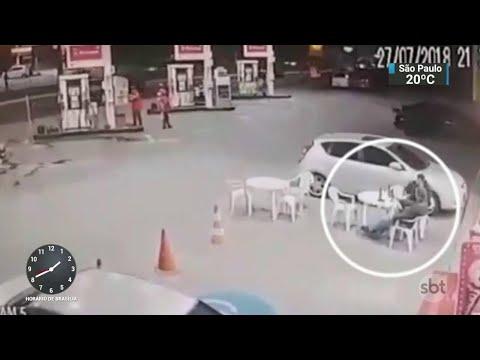 Corpo de PM morto em assalto em posto de gasolina é enterrado em SP | SBT Notícias (30/07/18)