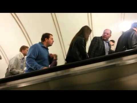 Необычный человек в метро