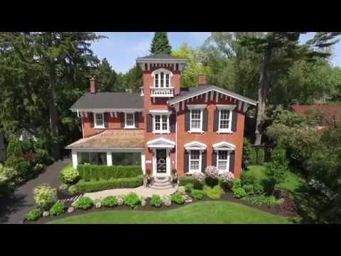 Classic Italianate-Style Villa in Oakville, Canada