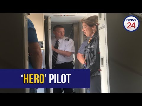 WATCH: Hero US pilot praised for safely landing flight after engine blows
