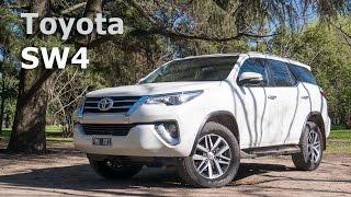 Toyota SW4 a prueba - Todoterreno con piel refinada | Autocosmos