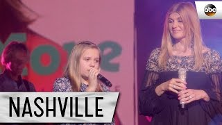 Maisy Stella (Daphne) and Connie Britton (Rayna) Sing Together We Stand - Nashville Finale