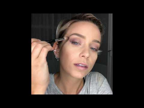 30 Minutes to Glam - Smoked out eye with a wing and no false lashes!