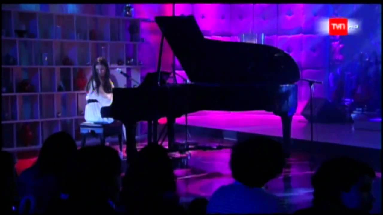 francisca-valenzuela-afortunada-en-vivo-animal-nocturno-06-01-2011-francisca-valenzuela