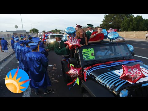 Mountain View parents send off the Class of 2020 with a car parade