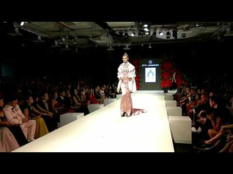 Zang Toi's collection showcase at the Mercedes Benz STYLO Asia Fashion Festival 2017.
