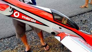 RC Pesawat Landing Nabrak Motor