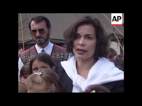 ALBANIA: BIANCA JAGGER VISITS KUKES REFUGEE CAMP