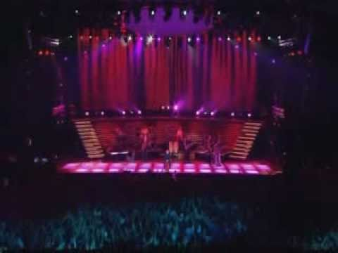 Phil Collins - A Groovy Kind Of Love (Live Finally... The First Farewell Tour - Paris - 2004)