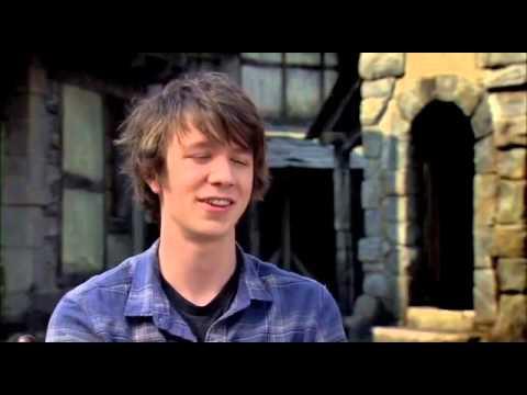 Hansel & Gretel Set Interview: Thomas Mann/BEN