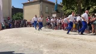 Bouches-du-Rhône : la charrette de Graveson au pas de course