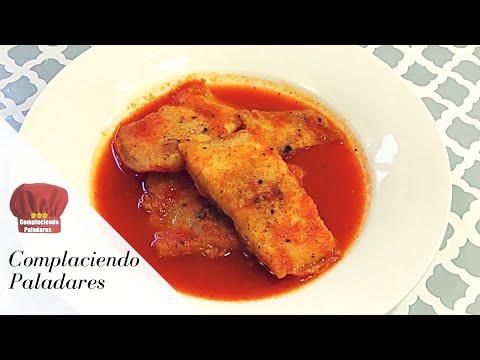 PESCADO en caldillo de jitomate/ Fish in a tomato soup - Complaciendo Paladares