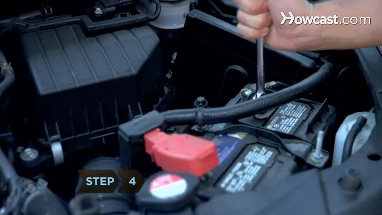 How To Disconnect A Car Battery Youtube