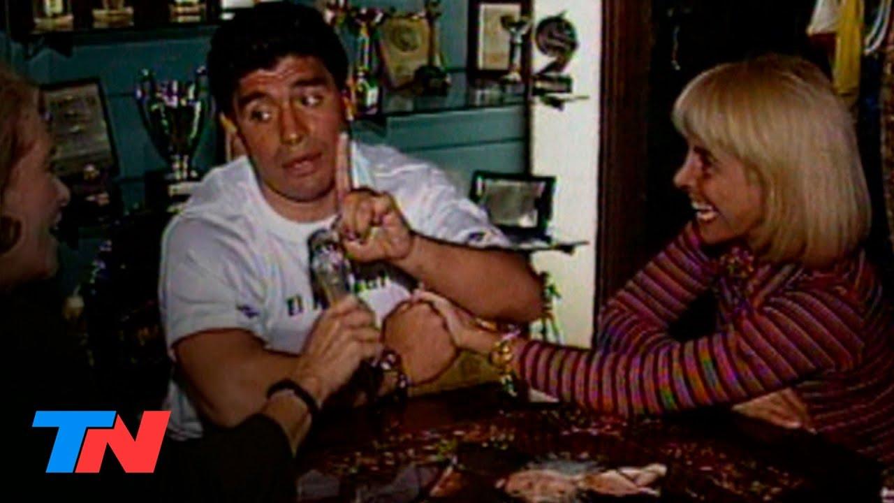 Diego Maradona Y Claudia Villafane Juntos En El Museo De La Casa De Devoto 1994 Youtube