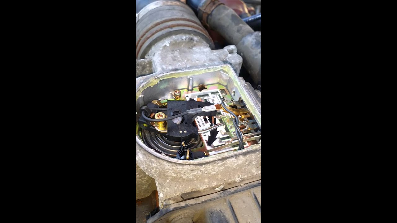 Air Intake Sensor >> Toyota 22r Mass air flow sensor working - YouTube