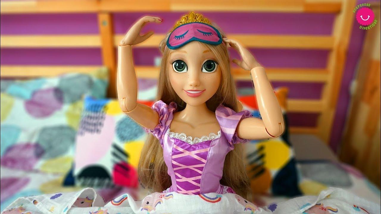 Rutina de todo el día de la Princesa Disney Rapunzel - Mi muñeca GRANDE