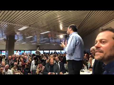 Salvini in Sardegna: le immagini dell'incontro a  Olbia