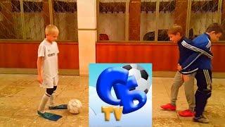 ⚽ ФУТБОЛЬНЫЙ ЧЕЛЛЕНДЖ В ЛАСТАХ 1 VS 2 ⚽ FOOTBALL CHALLENGE IN FLIPPERS 1 VS 2