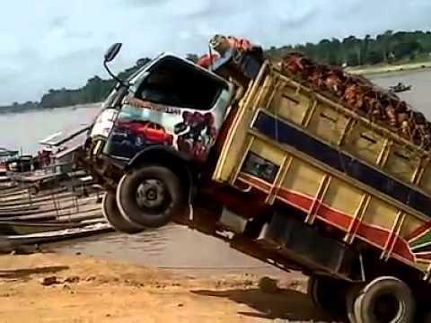 edan ....sopir truk level 1 ini mahhh.