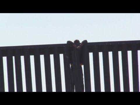 Familias de migrantes sufren por el cierre del punto de encuentro fronterizo en EE UU