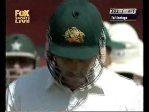 Waqar Younis cleans bowls Justin Langer with a BEAUTY!