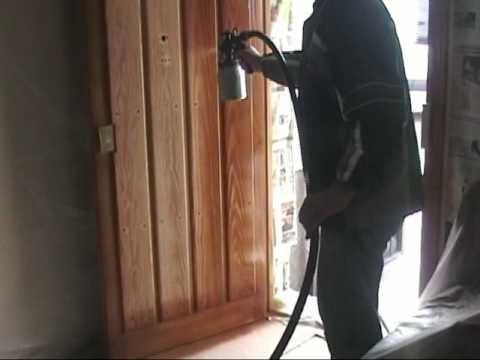 Restaurando y barnizando con pistola adiabatic youtube - Como barnizar una puerta de madera con pistola ...