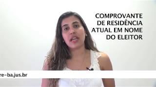 A chefe de cartório Silvana Matos explica como se deve fazer a biometria.