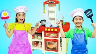 Hana & Tony Pretend Play Kids Master Chef Cooking Competition w/ Kitchen Food Toys