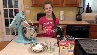 How to Bake Cupcakes -- Cooking for Kids