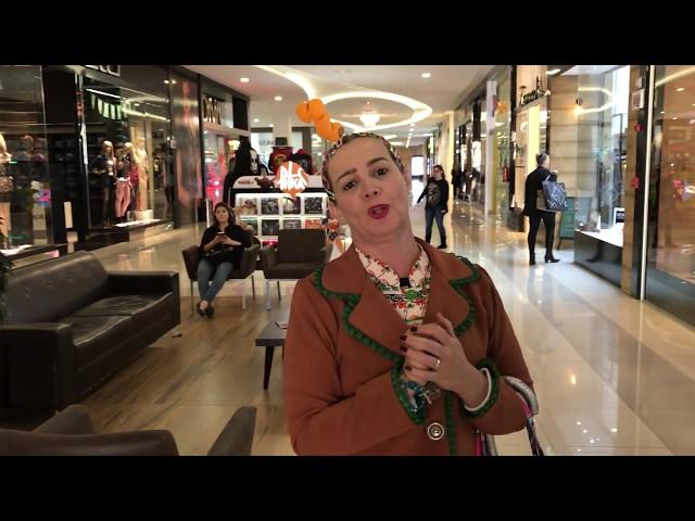 Dona Maricotinha visita o Center Shopping