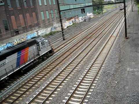 NJtransit 4208& Septa 3 car regional rail.AVI