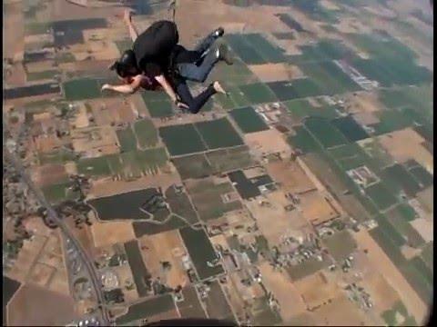 Noelle Skydiving
