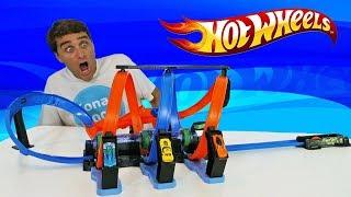 Hot Wheels Corkscrew Crash Track Set !    Toy Review    Konas2002