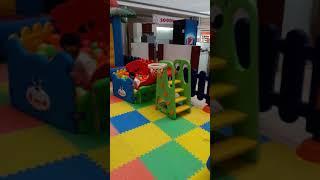 kids plays ball
