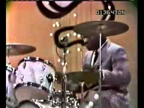 Count Basie Band 1965/Drum solo