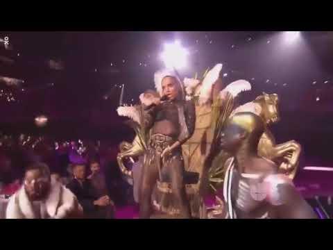 Performance Machika - J Balvin Jeon Anitta Premio Lo Nuestro 2018