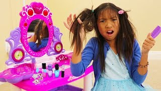 Wendy Pretend Play Fun PRINCESS Dress Up and Makeup Kids Toys for Girls thumbnail