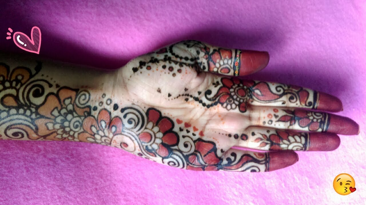 Black Henna: Unique Mehndi Designs For Hands