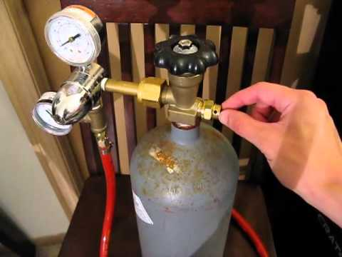 CO2 Cylinder Tip - Checking for Leaks