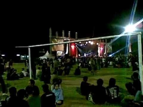 Jamrud - Surti tejo live sriwedari solo 11.07.2012.mp4