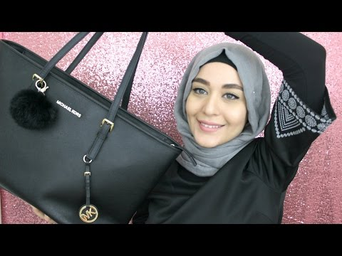 What's In My Bag ? | Muslim Queens by Mona